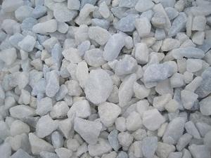 Бело-голубой мраморный щебень, фракция 10-20 мм